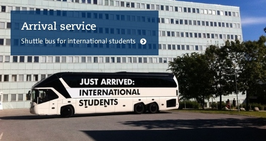 Bus for international students infront of Stockholm University. Photo: Ronald T. Nordqvist